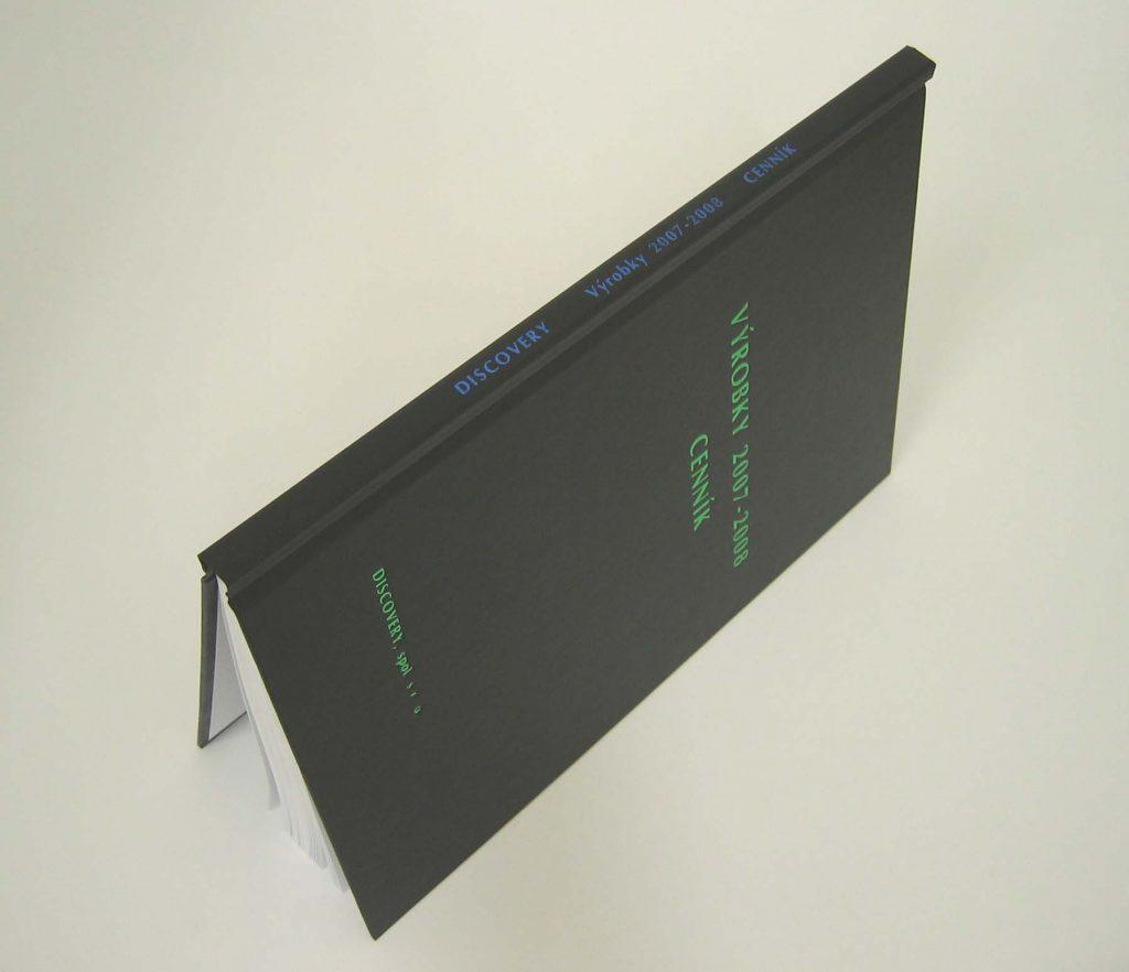 Tlač na chrbát je možný najbližšie 6 cm od vrchného a 6 cm od spodného  okraja a to je 40 pozícií – písmen a medzier s veľkými písmenami alebo 48  pozícií s ... 06c83929fe0